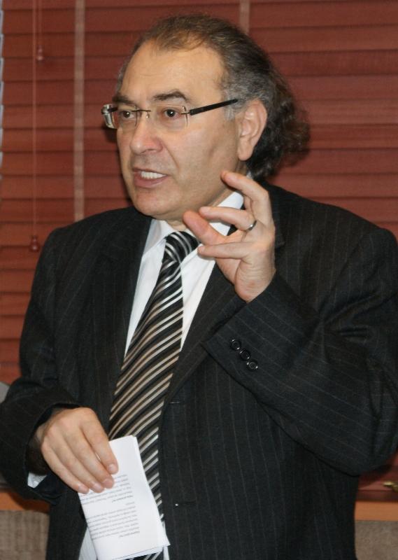Prof. Dr. Nevzat Tarhan Bakırköy'deki eğitimcilerle bir araya geliyor.
