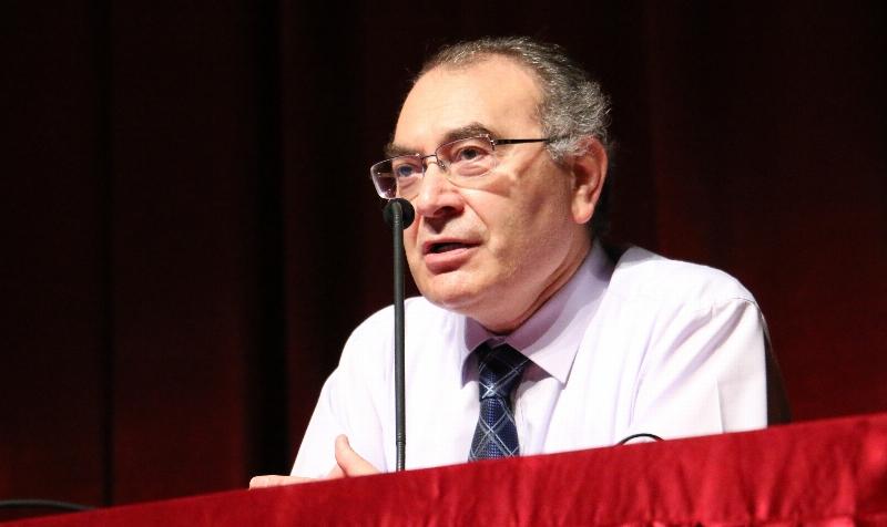"""Prof. Dr. Nevzat Tarhan: """"İyi bir nesil için empatiyi öğretmeliyiz"""""""