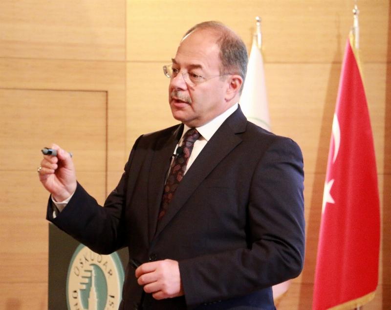 Üsküdar Üniversitesi'nde Akademik Yılın ilk dersi Sağlık Bakanı Recep Akdağ'dan...