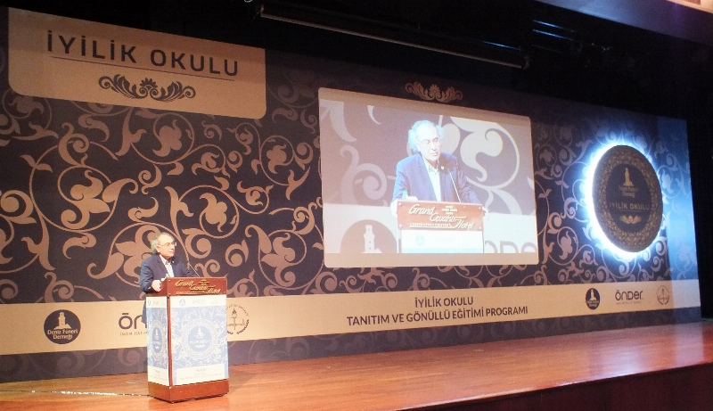 """Prof. Dr. Nevzat Tarhan: """"İyilik yapması gereken iyilik yapmıyorsa kötülük yapıyordur"""""""