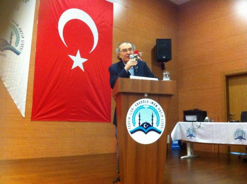 """Prof. Dr. Nevzat Tarhan """"Babalık Modeli"""" ni anlattı."""