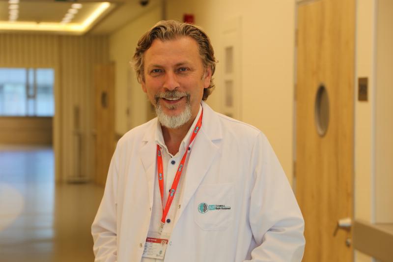 Doç. Dr. Sultan Tarlacı, NPİSTANBUL Beyin Hastanesi'nde