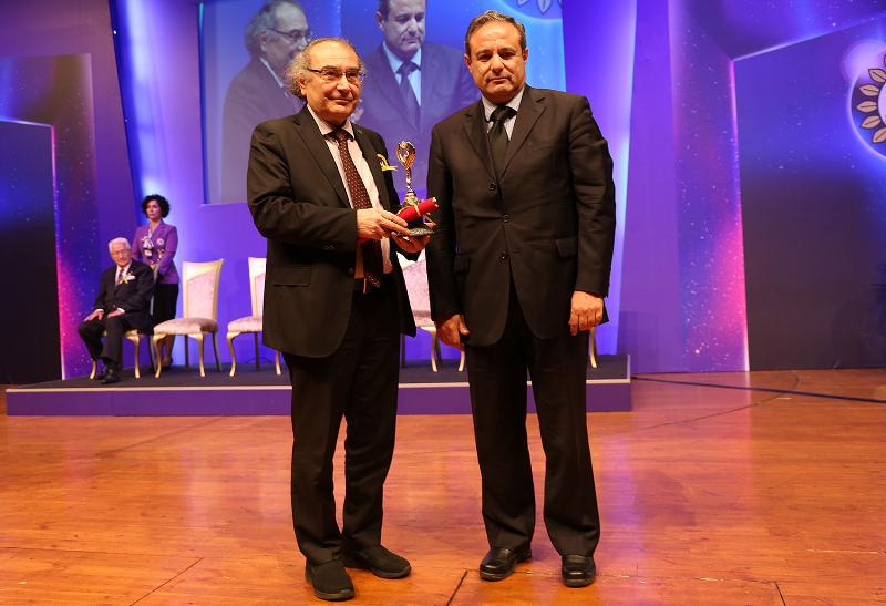Prof. Dr. Nevzat Tarhan'a Evrensel Kardeşlik Ödülü