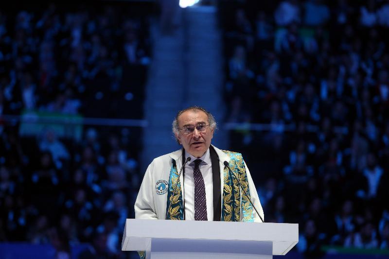 Üsküdar Üniversitesi'nde 5. Mezuniyet coşkusu 2