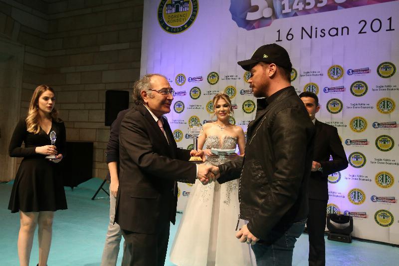 """Prof. Dr. Nevzat Tarhan'a """"Yılın Yazarı"""" Ödülü 5"""