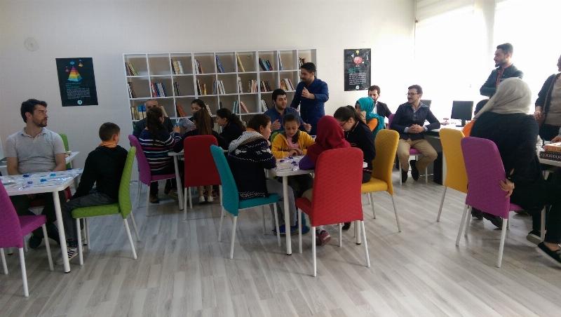 Üsküdar Üniversitesi öğrencilerinden örnek çalışma...