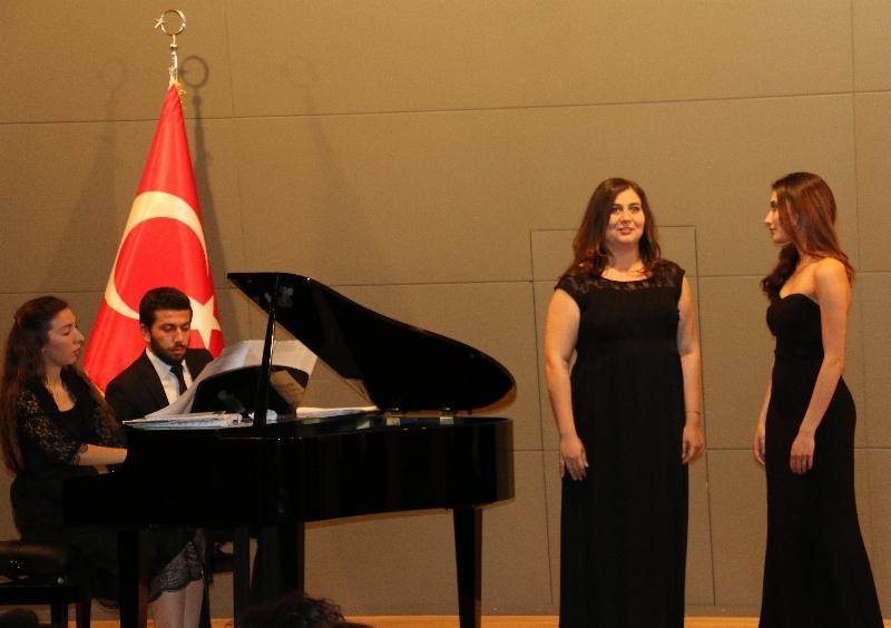 Üsküdar Üniversitesi'nde şan sınıfı konseri