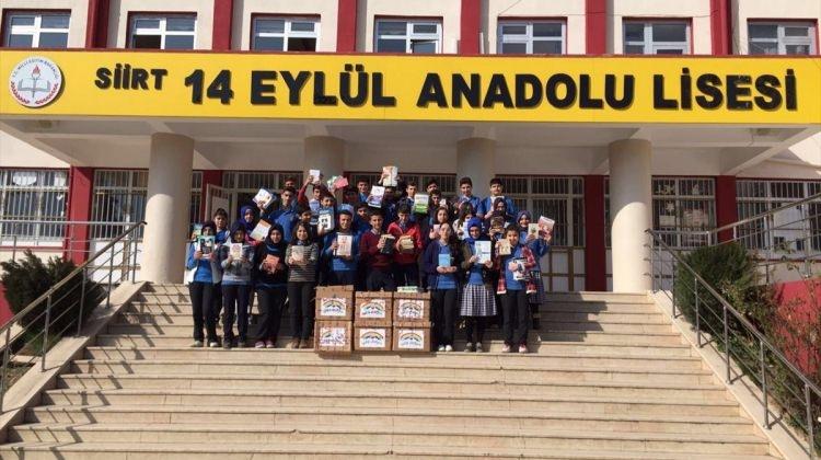 Üsküdarlı öğrenciler Siirtli öğrencilere kitap desteğinde bulundu.