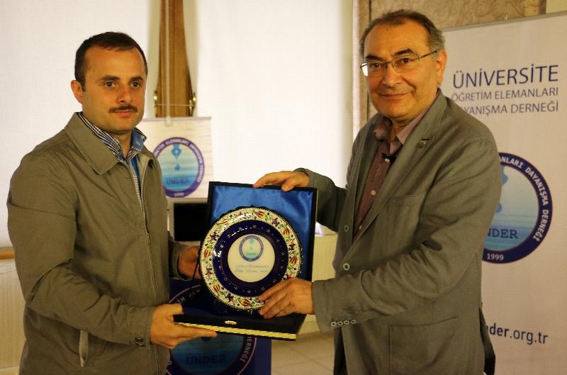 Prof. Dr. Nevzat Tarhan akademisyenlere 'Akademi Dünyasında Liderlik' i anlattı. 3