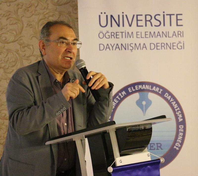 Prof. Dr. Nevzat Tarhan akademisyenlere 'Akademi Dünyasında Liderlik' i anlattı.