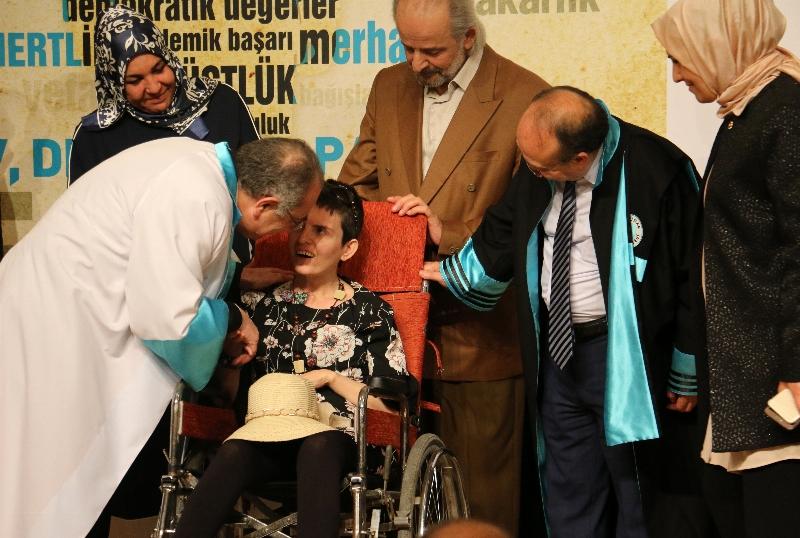 Yüksek İnsani Değerler Ödülleri Gözyaşları Eşliğinde Sahiplerini Buldu… 9