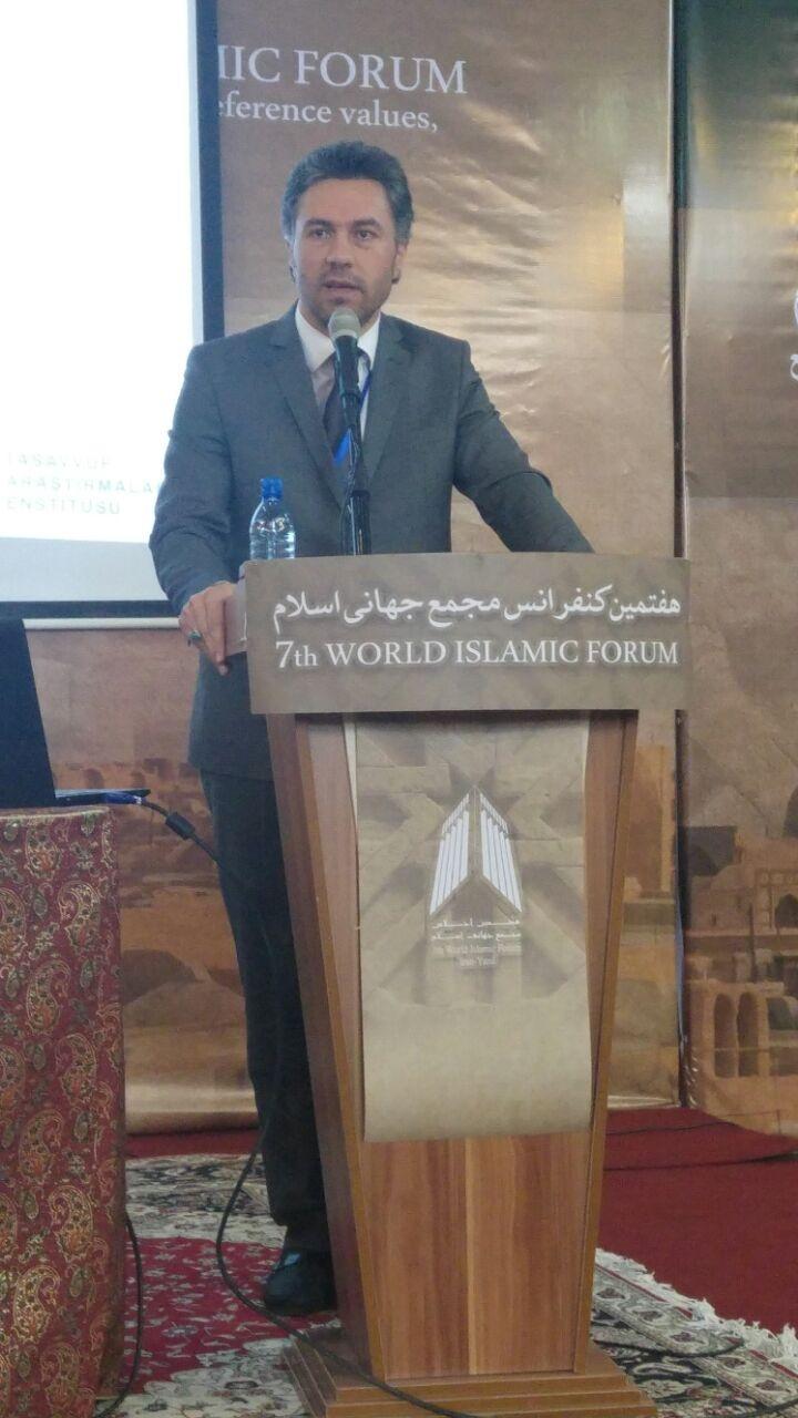 Üsküdar Üniversitesi İslamı anlamada derinlik ve fanatizm ile 7. Dünya İslam Forumunda...