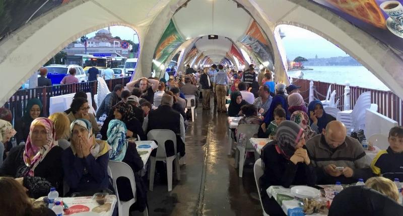 Üsküdar Üniversitesi'nden Üsküdar'da 32 bin kişilik iftar… 2