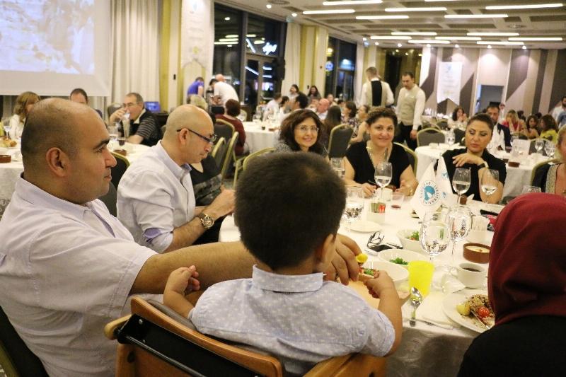 NPİSTANBUL Hastanesi geleneksel iftar yemeğinde bir araya geldi. 2