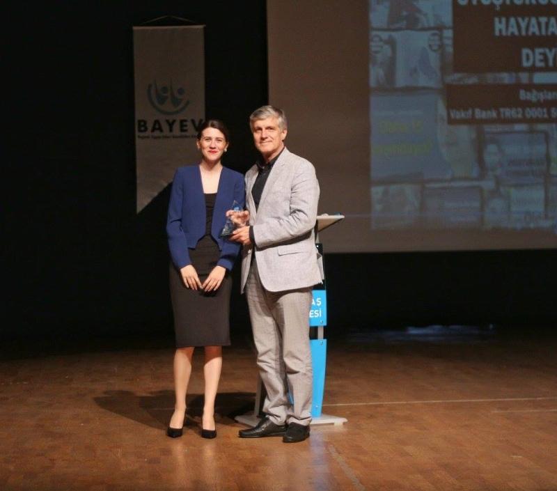 Üsküdar Üniversitesi'ne iki ödül birden