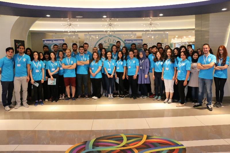 Üsküdar Üniversitesi adaylara yol gösteriyor!