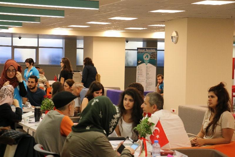 Adaylar tercihlerini Üsküdar Üniversitesinde yapıyor!