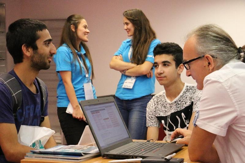 Adaylar tercihlerini Üsküdar Üniversitesinde yapıyor! 2