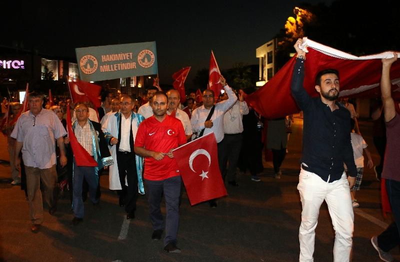 Üsküdar Üniversitesi akademisyenleri Demokrasi Duruşunda… 3