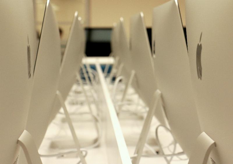 Üsküdar Üniversitesi Mac Laboratuvarı öğrencilerini bekliyor. 3