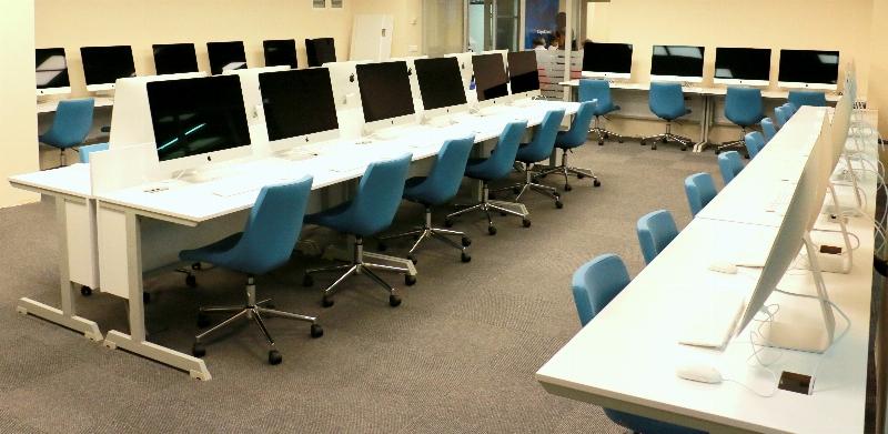 Üsküdar Üniversitesi Mac Laboratuvarı öğrencilerini bekliyor. 2