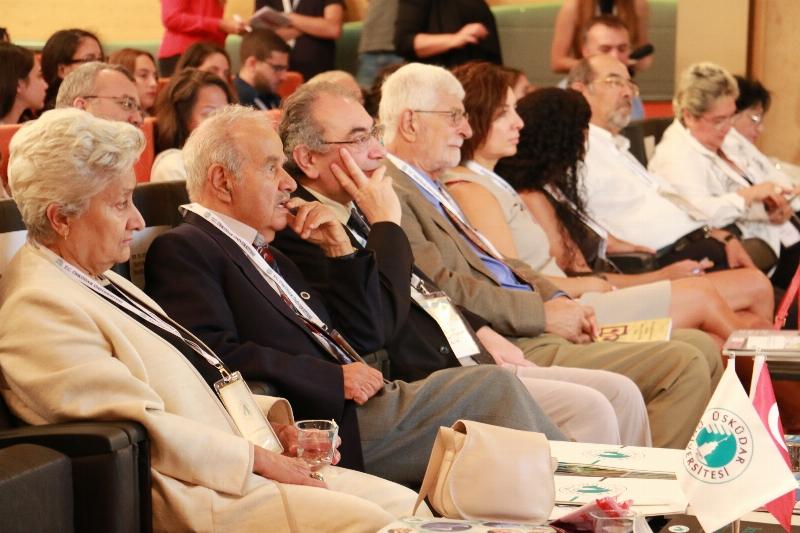 """Prof. Dr. Nevzat Tarhan: """"Son yaşananları sosyal psikiyatri değerlendirmeli"""""""