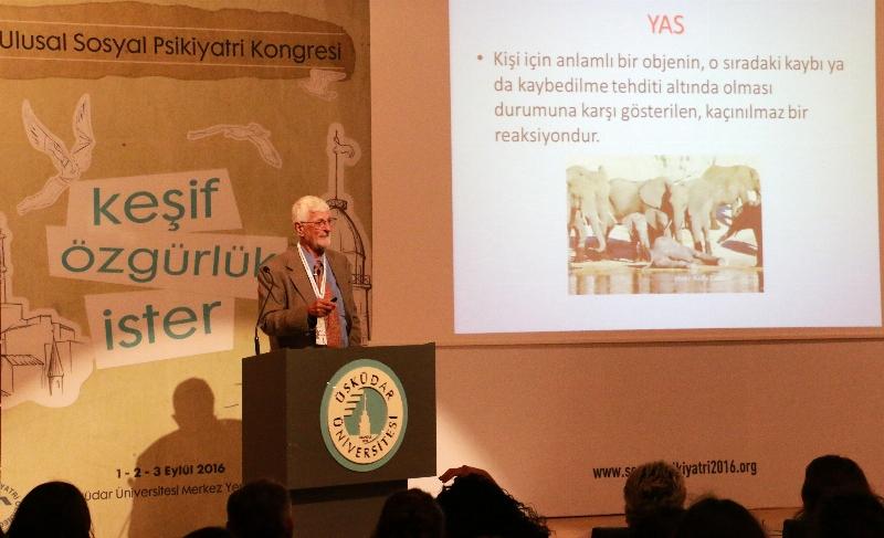 """Prof. Dr. Vamık Volkan: """"Yas tutma biçimi parmak izi kadar bireysel"""""""
