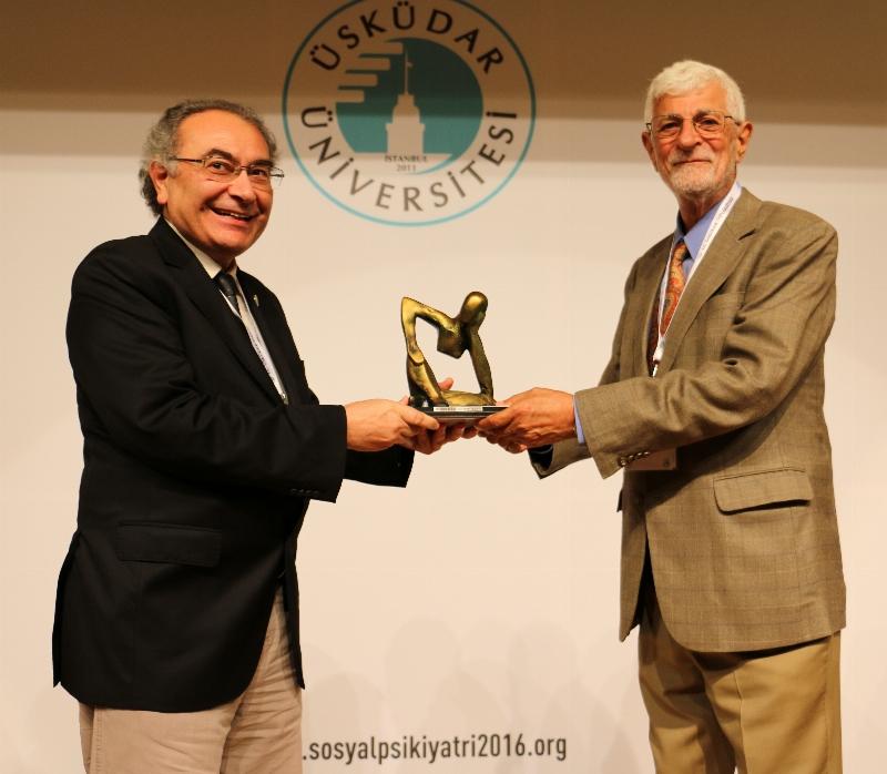 """Prof. Dr. Vamık Volkan: """"Yas tutma biçimi parmak izi kadar bireysel"""" 2"""