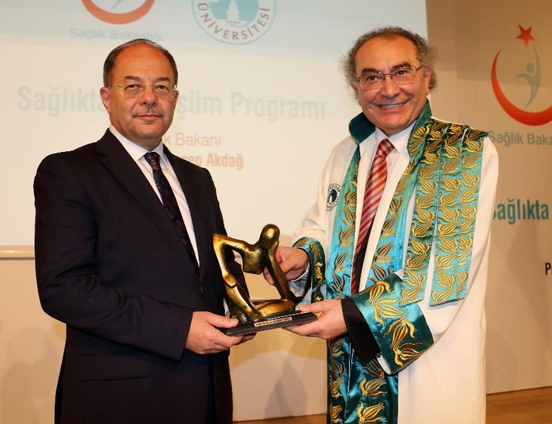 Üsküdar Üniversitesi'nde Akademik Yılın ilk dersi Sağlık Bakanı Recep Akdağ'dan... 9