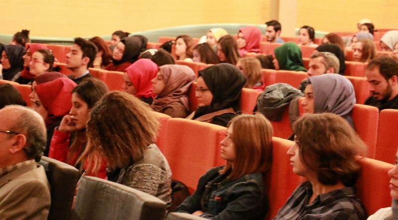 Prof. Dr. Erol Üçer psikoloji öğrencileriyle buluştu. 7