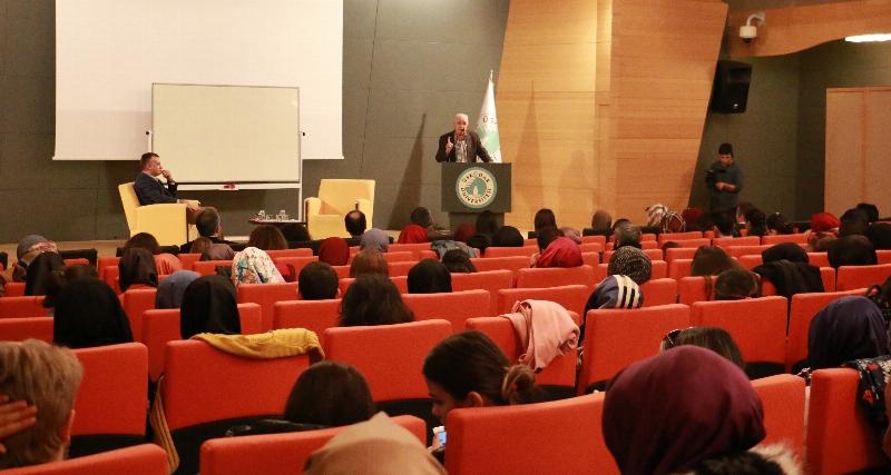 Prof. Dr. Erol Üçer psikoloji öğrencileriyle buluştu. 6