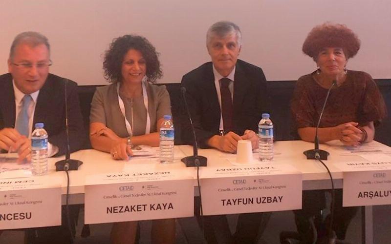 """Prof. Dr. Uzbay, """"Cinsellik ve Cinsel Tedaviler Kongresi"""" ne katıldı."""