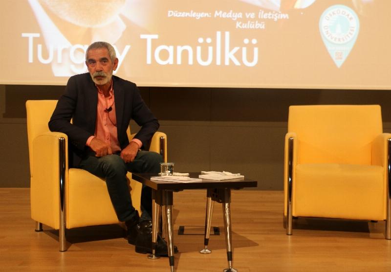 Başarılı Sinema Oyuncusu Turgay Tanülkü Üsküdar Üniversitesi öğrencileriyle söyleşti.