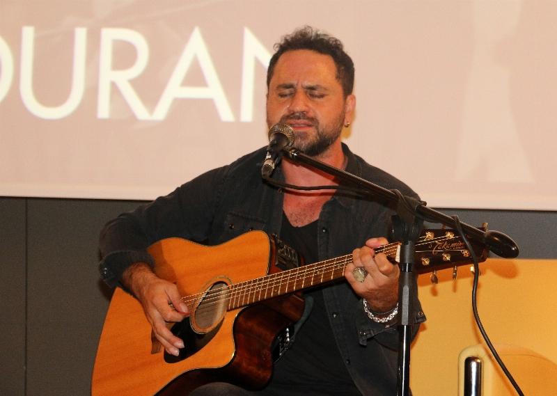Sevilen Sanatçı Bora Duran Üsküdar Üniversitesi'ndeydi… 2