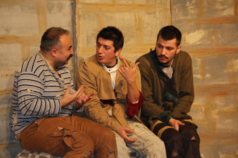 Ziyafet Sofrası Üsküdar Üniversitesinde sahnelendi. 3