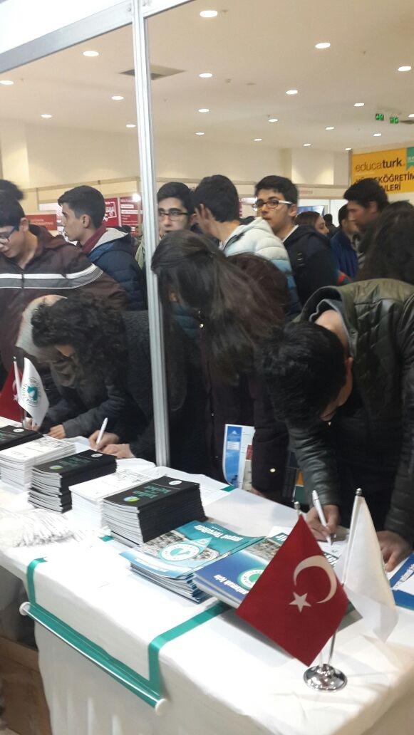 Üsküdar Üniversitesi, Hatay'da üniversite adaylarıyla buluşuyor.