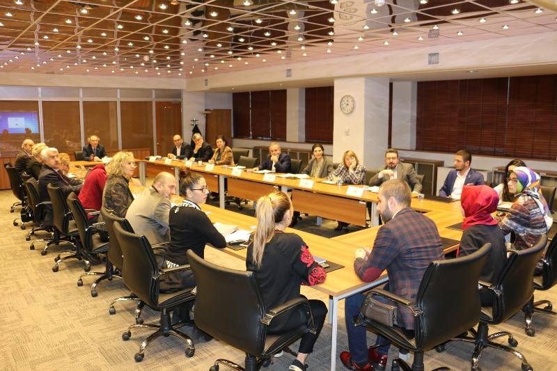 Üsküdar Üniversitesi Öğrenci Konseyi senato üyeleriyle bir araya geldi