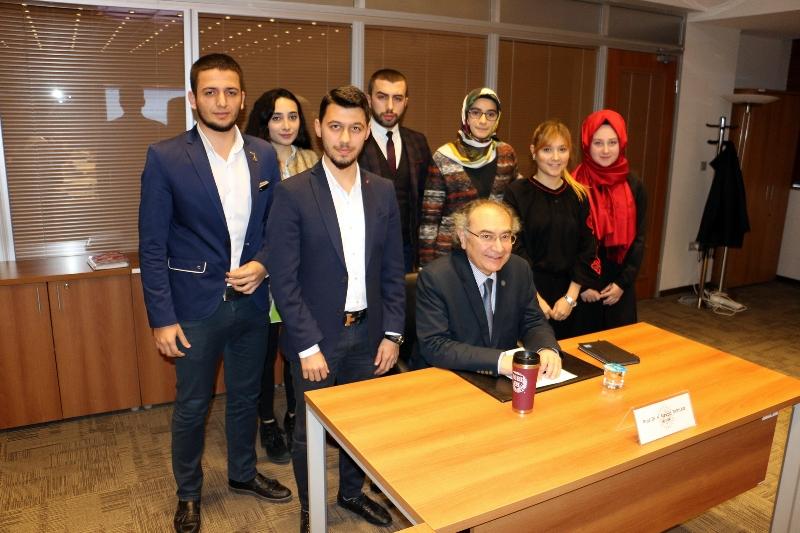 Üsküdar Üniversitesi Öğrenci Konseyi senato üyeleriyle bir araya geldi 2
