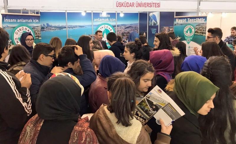 Üsküdar Üniversitesi İstanbul'da aday öğrencilerle buluşuyor.