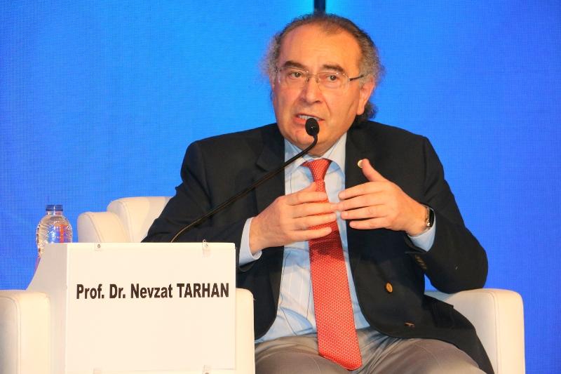 """Prof. Dr. Nevzat Tarhan; """"Siyasetteki düşmanlığı kadınlar azaltabilir"""" 2"""