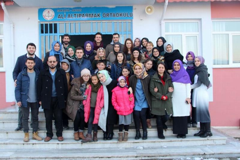 Akyazı'ya Üsküdar Üniversitesi Kütüphanesi 3