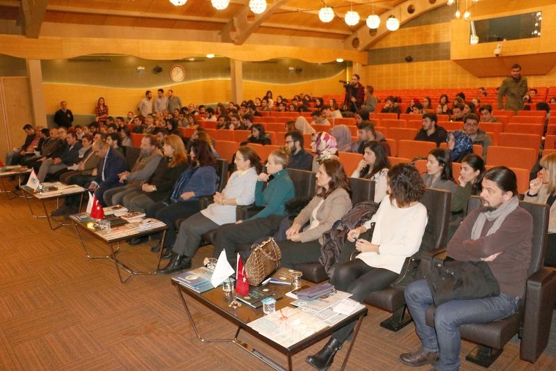 Üsküdar Üniversitesi öğrencileri rektörüyle buluşuyor… 2