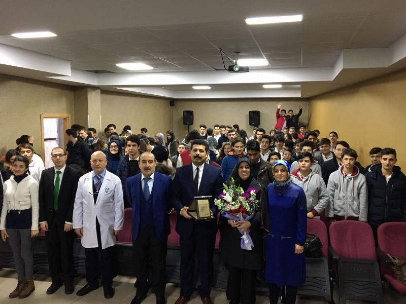 Doç. Dr. Merve Kavakçı, Özel Tercih Anadolu Lisesi'nde 2