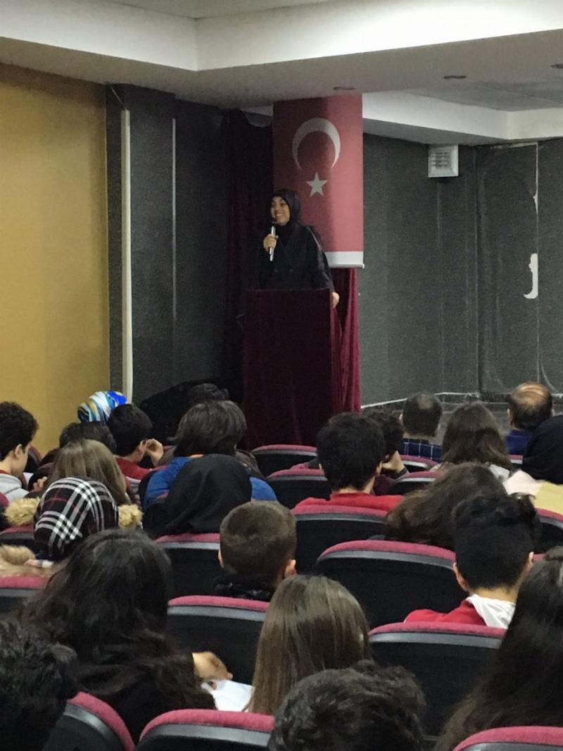 Doç. Dr. Merve Kavakçı, Özel Tercih Anadolu Lisesi'nde