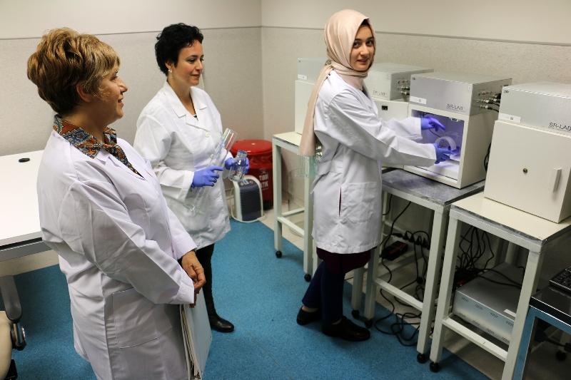 Üsküdar Üniversitesi öğrencilerinin TÜBİTAK başarısı 3