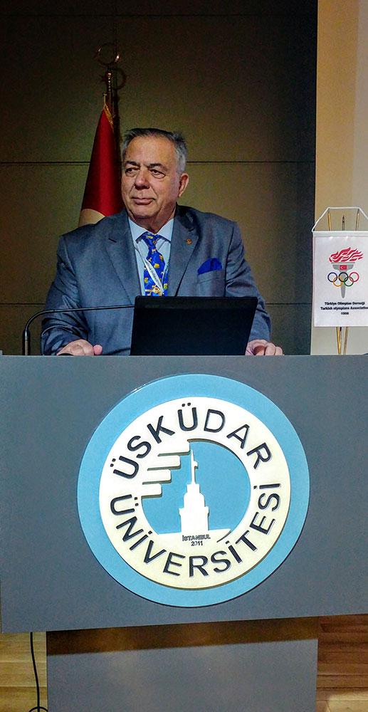"""Prof. Dr. İbrahim Öztek: """"Yılda üç Çanakkale Köprüsü parasını sigaraya harcıyoruz"""""""