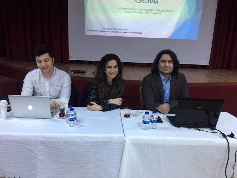 Üsküdar Üniversitesi uzmanları Bağımlılıkla Mücadele Gençlik Zirvesi'nde 2