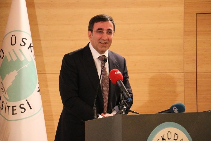AK Parti Genel Başkan Yardımcısı Cevdet Yılmaz Üsküdar Üniversitesinde konuştu