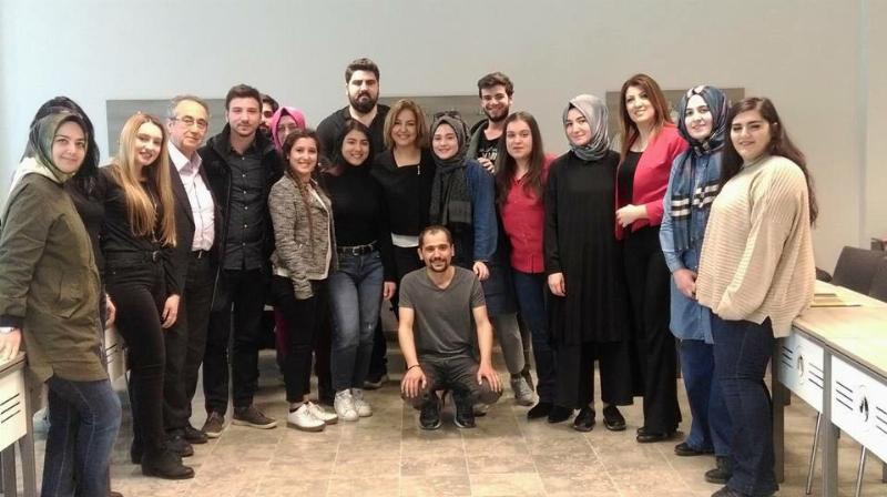 TRT'nin başarılı ekran yüzü Fulin Arıkan Üsküdar Üniversitesinin konuğu oldu
