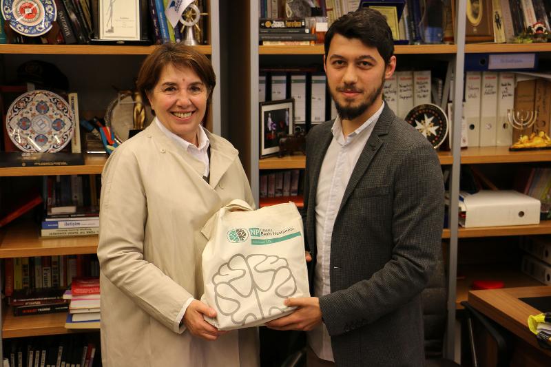 TBMM Başkanvekili Ayşe Nur Bahçekapılı Üsküdar Üniversitesini ziyaret etti 2